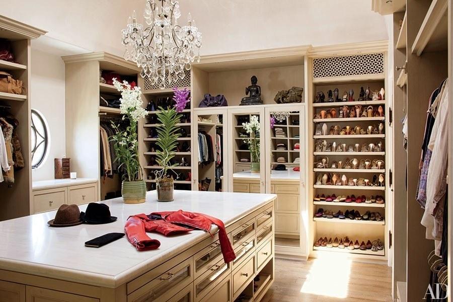 closet service area