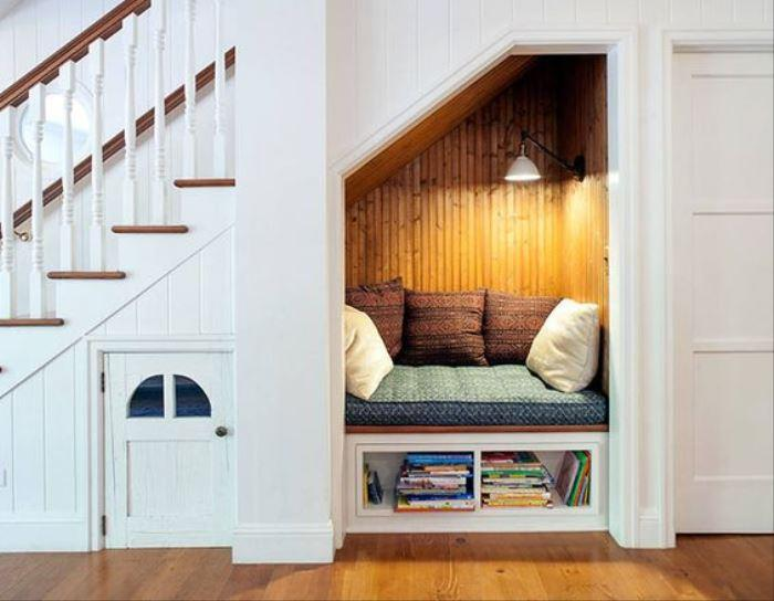Nook Under Stairs – Horiz